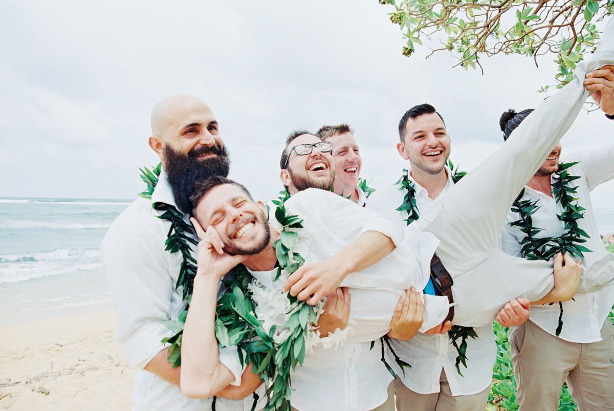 Kauai destination wedding elopement photographer oasis waipouli beach resort mamiwyckoffphotography21