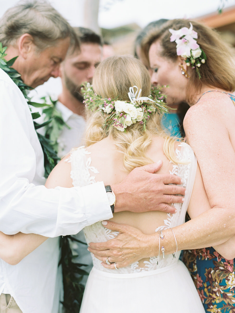 Kauai destination wedding elopement photographer oasis waipouli beach resort mamiwyckoffphotography33