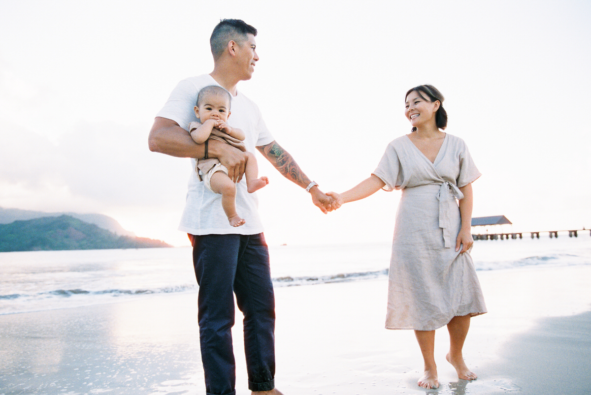 Sunset Beach Family Photo Session at Hanalei Bay by Mami Wyckoff Photography Kauai Wedding Photographer006