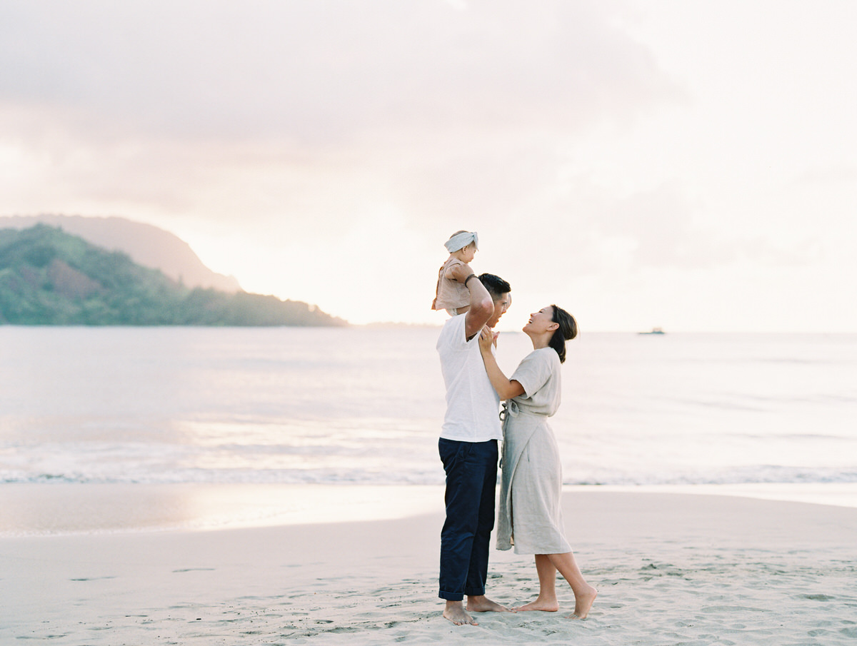 Sunset Beach Family Photo Session at Hanalei Bay by Mami Wyckoff Photography Kauai Wedding Photographer021